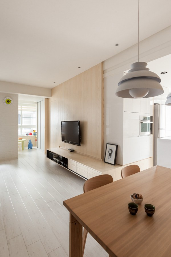 simple wooden apartment (4)