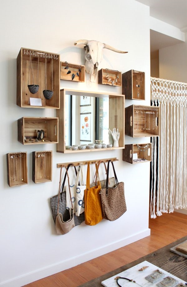 Entryway with boxshelves