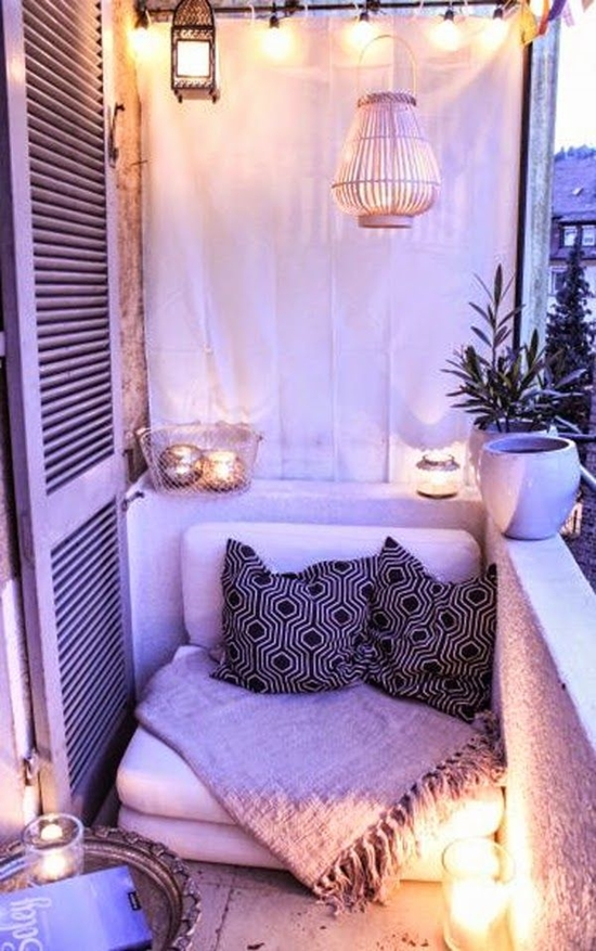 Decorating-Ideas-for-Small-Balcony (4)
