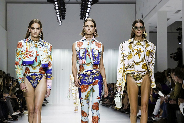 Versace Fashion Show, Ready to Wear Collection Spring Summer 2018 in Milan