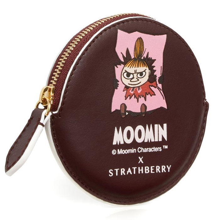 UWrLF1hFQeGrMyMyOImU_The-Strathberry-X-Moomins_Coin-Purse_Burgundy_Hero